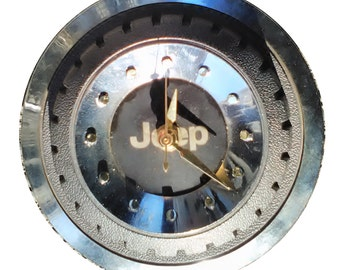 Jeep Hubcap Clock, late 80s and 90s, 7 inch, with dots for numbers (hub cap)
