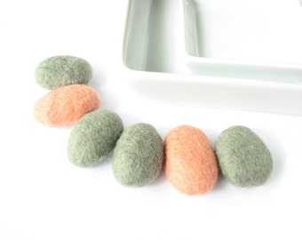 Flat asparagus and orange felted wool pebbles / beads. Wool ornaments, felt stones, felt rocks, wool decorations, room decorations, crafts