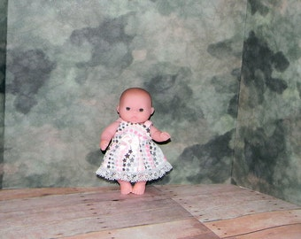 5LC1-08) 5 inch Lil Cutesies Berenguer baby doll clothes, 1 pretty dress with panties