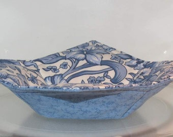 Reversible Bowl Cozy, Microwave Pot Holder, Blue and White