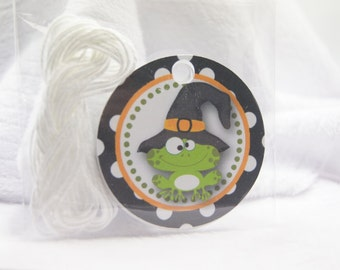Halloween Frog with Witch's Hat Black with White Dots Favor Tags Party Tags Birthday Tags Gift Tags Halloween Tags T525