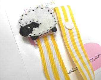 pacifier holder, pacifier clip, lamb, sheep pacifier clip, sheep baby gift, binky clip, binky holder, baby shower gift