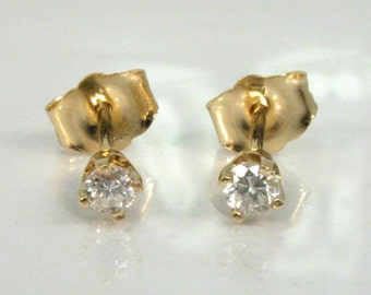 Diamond Ear Studs - 0.13 Carats Total Weight - 14K Yellow Gold