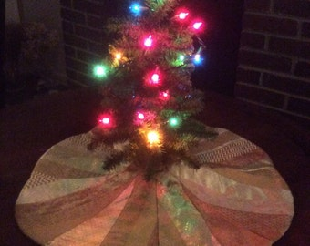 Tabletop Metallic Gold Quilted Tree Skirt
