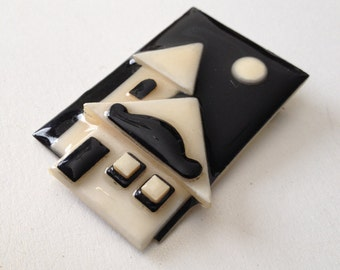 Black and White Lucinda House Pin