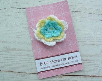 ONE DOLLAR CLIP White Light Yellow and Aqua Crochet Flower Baby Snap Clip No Slip