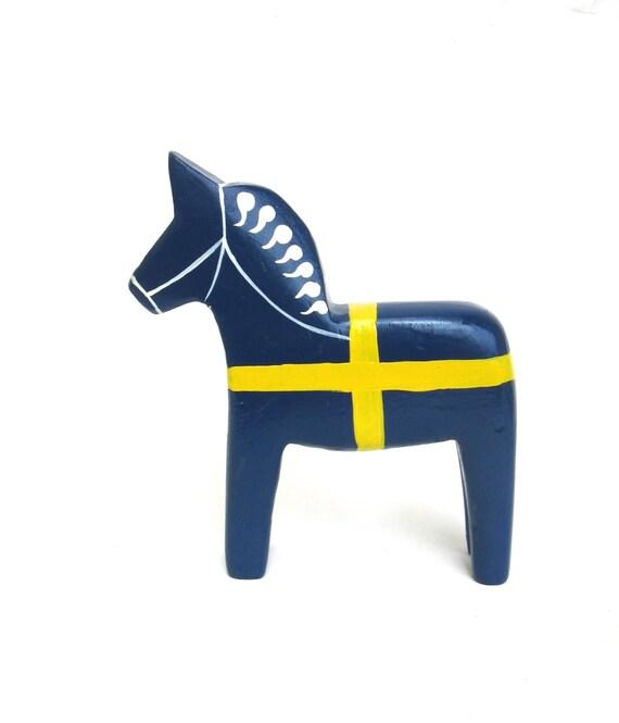 Dala  ...   vintage wooden Swedish horse   ...   folk art