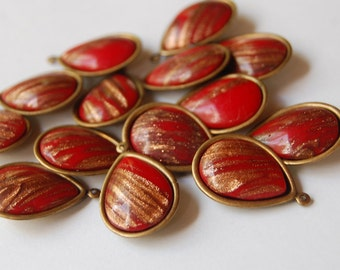 Vintage Cherry Red Glitter Glass Tear Drop Pear Shape Pendants 2 Glass Beads 13x18mm