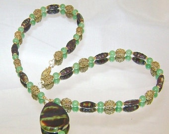 FALL SALE Vintage Glass Necklace. Jade Green and Brown Art Glass Vintage Necklace