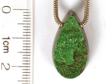 DVH  27ct Uvarovite Garnet Bead Green Druzy Crystal RARE 23x13x9 drusy (7279)