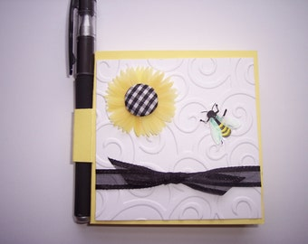 Yellow White and Black Sunflower and bee Post it note holder with gel pen