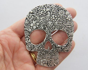 1 Skull  pendant antique silver tone NB8