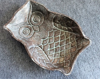 Cast iron patina owl/ bird ring jewelry dish/ shabby cottage boho chic /business card holder
