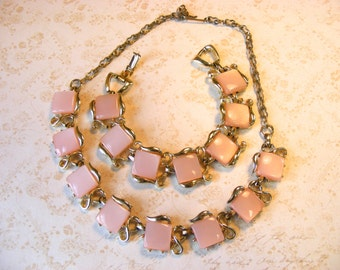 Vintage Pink Stone Gold Tone Metal Link Necklace & Bracelet Set