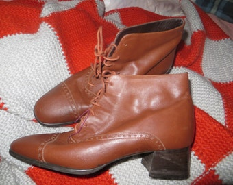 vintage Sudini Sienna Brown Leather Wingtip Ankle Boots / Made in Italy sz 8.5 w