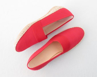 Red Espadrille Wedges * Vintage Canvas Shoes * Wedge Heel Espadrilles * size 6 1/2