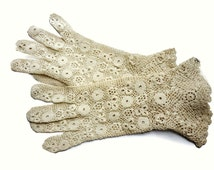 Vintage 1930s Cream Floral Crochet Gloved with Irish Crochet and Swirl Top and Cuffs - Unused - Size7 1/2 - Lace Bridal Gloves
