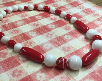 Red and White Chunky Necklace - Vintage Beads - Hand Painted Accent Beads - Photo Prop - Annipalooza - Retro Mod - R76