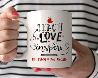 Teacher Gifts Christmas Gifts for Teacher Gifts Personalized Kindergarten Teacher Gift Teacher Mug Preschool Teacher Gifts Red Teacher Mug