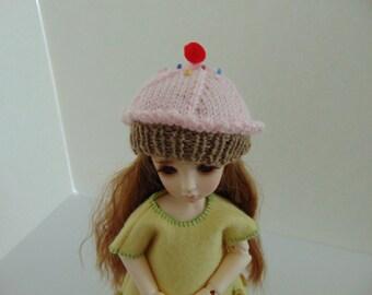 Pattern to Knit YOSD BJD size Cupcake Hat