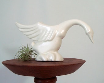 White Swan Haeger Figurine Single White Bird Graceful Wings Long Neck
