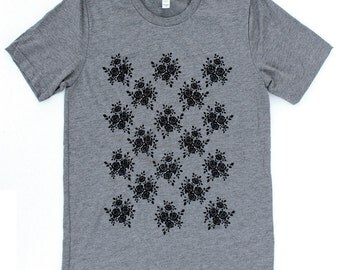 Roses UNISEX T-Shirt  - Available in S M L XL and three shirt colors  -  garden pattern flower