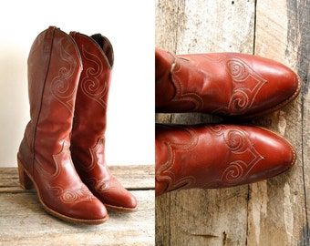Cowgirl Boots Sz 9  //  Western Boots Size 40  //  THE DINGO
