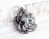 Grey metallic leather flower brooch, statement brooch, cocktail pin, leather jewelry, gift for her, leather flower, Rose brooch