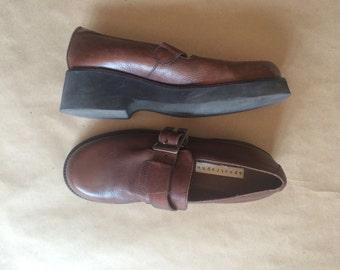 WEEKEND SALE ! vintage 1990's platform wedge heeled shoe / brown leather / goth / retro / indie / womens shoe