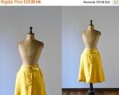 CLOSING SHOP 50% SALE / Vintage 1970s skirt. 70s deadstock linen wrap skirt. Yellow summer skirt
