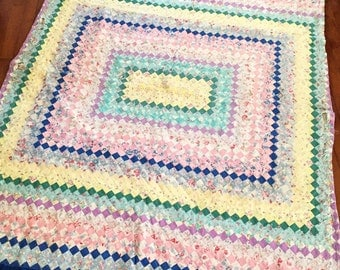 Vintage Quilt, Feed Sack Quilt, Vintage Feed Sack, Feedsack, Farmhouse Quilt, Vintage Farmhouse