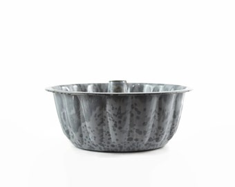 Vintage Enamel Cake Pan, Enamelware Cake Mold, Grey Granite Ware, Farmhouse Decor, Rustic Kitchen