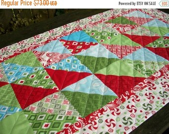 CIJ SALE Christmas Table Runner Quilted Kate Spain Flurry Winter Holiday Quiltsy Handmade FREE U.S. Shipping