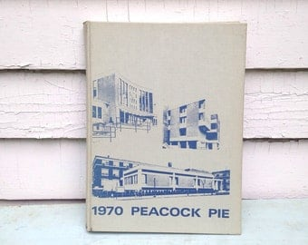 Vintage 1970 Peacock Pie Yearbook / Saint Peters College / Jersey City NJ