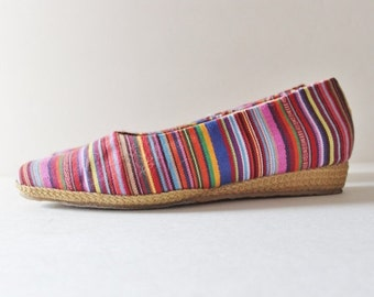 30% off sale // Vtg 80s Striped Tapestry Fabric Wedges - Women 8.5 - Beacon Espadrilles, rainbow, boho vibe