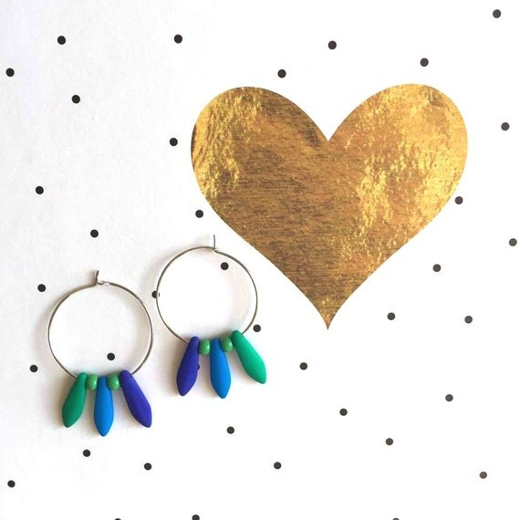 Hoop earring, ear, circle, brass, nickel free, two sizes diameter possibilities, oval, glass bead, green blue, les perles rares