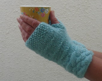 LUXURY baby Alpaca blend fingerless mitts . Knitted . Ladies. Medium. 'Arctic' . UK seller ... ready to ship.....