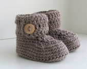 merino wool button cuff baby booties hand knit knitted neutral ugg style boy girl oatmeal brown blonde wood buttons pregnany announcment box