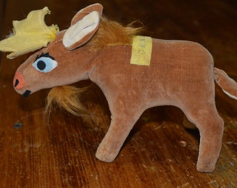 Vintage Dakin Canada Moose - stuffed souvenir - animal collectible