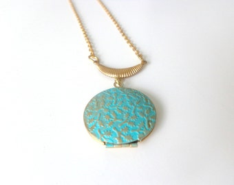 Turquoise flourish locket