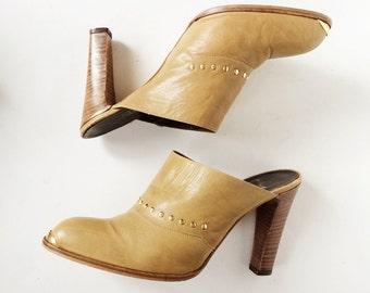 70s Tan Leather Mule Heels- 9.5 B, Gold Stud Toe Caps, Wood Slide Clogs, Nickels Italian Disco Vintage Mules