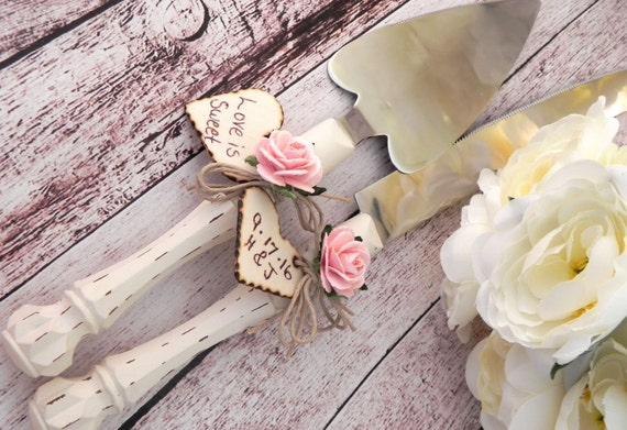 Rustic Chic Wedding Cake Server And Knife Set, Cream and Vintage Pink, Personalized Wood Hearts, Bridal Shower Gift, Wedding Gift