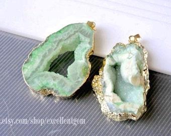 Druzy, druzy pendant, druzy geode Agate slice pendant, Gold Plated druzy agate Pendant, Mint color, Rock stone, gemstone,-6615