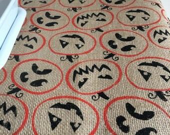 Halloween Burlap Table Runner | Fall Burlap Table Runner | Table Runner | Home Decor | Burlap | jack-o'-lantern | jack o'lantern