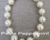 White Little Girls Necklace, Girls Bubblegum Chunky Necklace, Pearl Baby necklace,Girls Bubble Gum Bead Necklace,Children Necklace