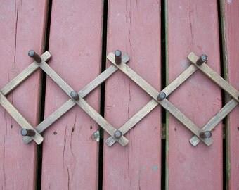 Vintage Beautiful Wood Peg Rack Accordian Expanding Made in Bulgaria
