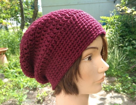 Crocheted slouchy hat in oxblood [vegan]