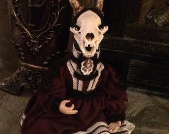 Kindertodt Oddity Doll: Olga Badgerlope