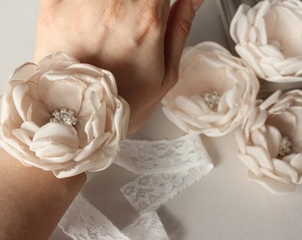 Ivory flower corsage, bridal corsage, brooch, pastel flower, flower girl corsage