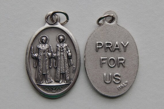 5 Patron Saint Medal Findings - Cosmas and Damian, Die Cast Silverplate, Silver Color, Oxidized Metal, Made in Italy, Charm, Drop, RM812